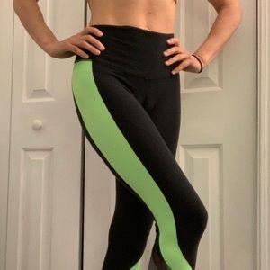 Alo Elevate Legging in Black, Neon Green & Grey